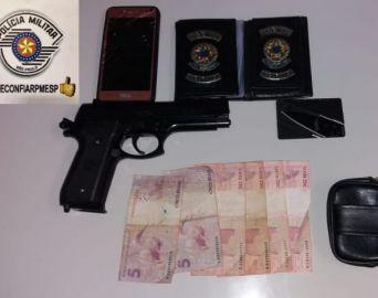 Ladrão usa arma falsa durante roubo no Parque das Flores