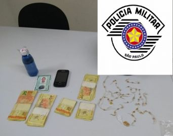 Polícia Militar prende três por tráfico de drogas no Largo Santa Cruz