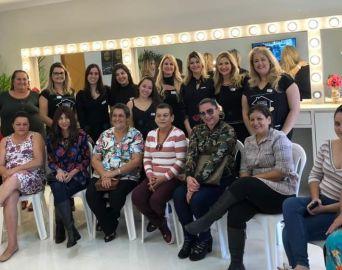 Alunas da Eduvale promoveram Um Dia de Beleza para pacientes da Abova