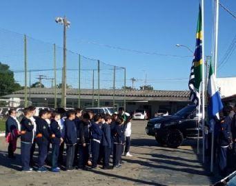 Polícia Militar recebe crianças na Escolinha da PM