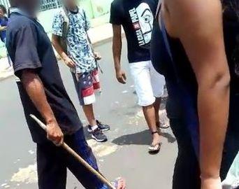 Adolescente denuncia agressão a pauladas sofrida em frente de escola em Avaré
