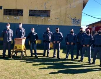 Policiais Militares recebem orientações sobre resgate de abelhas