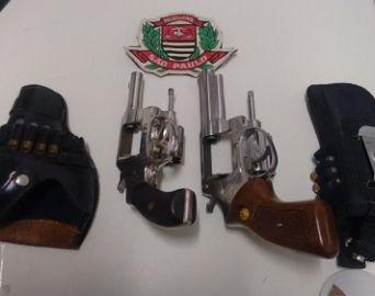 Polícia recupera armas furtadas de professor aposentado