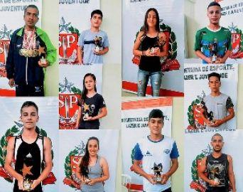 Destaques esportivos de 2018 são premiados pela Seme