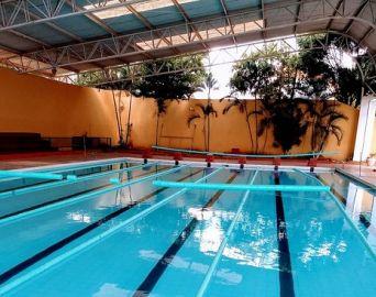 Secretaria retoma aulas de natação e hidroginástica na Piscina Municipal