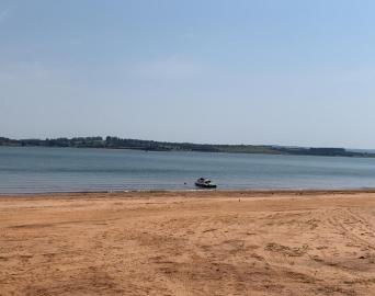 Piloto de barco que naufragou em represa não tinha habilitação, diz polícia
