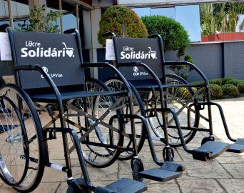 Avaré recebe cadeiras de rodas da CCR SPVias