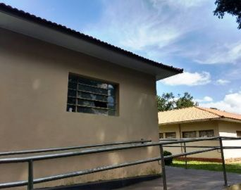 Vândalos danificam grande parte dos prédios da CAIC