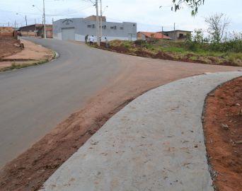 Calçada vai garantir mais segurança a moradores de bairros de Avaré