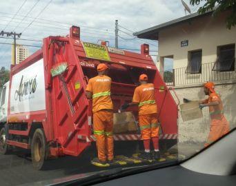 Mesmo com a terceirização, cidade vive o caos na coleta de lixo urbano