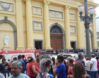 Homem invade missa, mata quatro e comete suicídio em Campinas