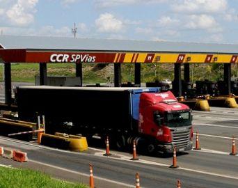 Operação Natal: 50 mil veículos devem trafegar na SP-255