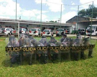 Polícia Militar de Avaré realiza treinamento de choque