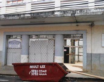Em reformas, antigo Cine Santa Cruz vai virar uma grande loja