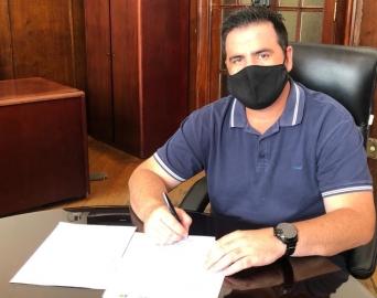 Prefeitura assina convênio para aquisição de maquinário agrícola