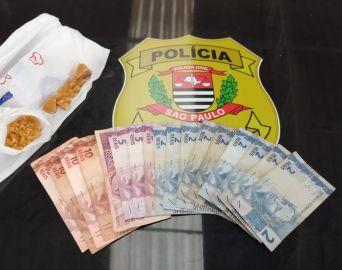 Homem picava crack em casa ao ser preso pela Polícia Civil