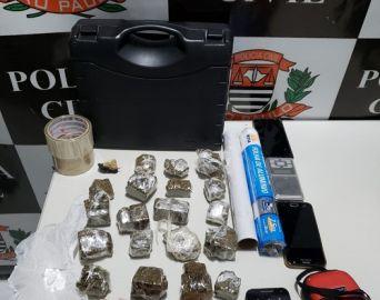 Polícia Civil prende trio em flagrante por tráfico de drogas
