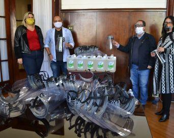 IFSP doa máscaras e álcool em gel para a Prefeitura de Avaré