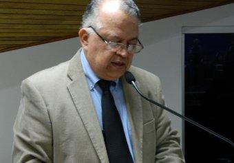 Vereador Ernesto Albuquerque (PT) autor da propositura que pede audiência para debater sobre castração de animais