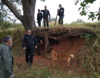 Com cães farejadores, Polícia prende 4 por tráfico em Avaré