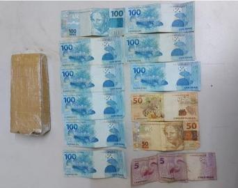 Homem de 24 anos é preso com drogas e mais de R$ 1 mil em Avaré