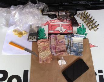 Polícia Civil prende homem por tráfico e porte de arma de fogo