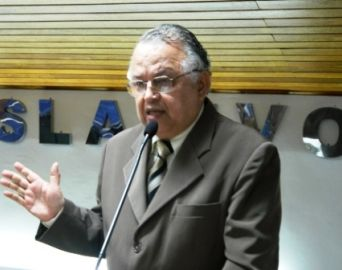 Dr. Ernesto quer informações sobre finanças do município