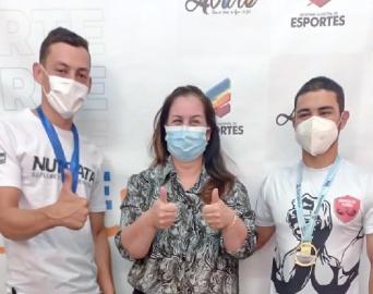 Avareenses vencem copa catarinense de luta de braço