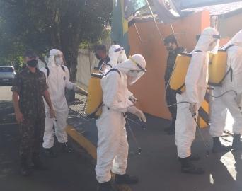 Exército realiza a descontaminação da Estação de Bombeiros de Itaí