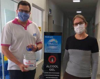 Empresa doa toten de álcool em gel ao Pronto Socorro Municipal de Avaré