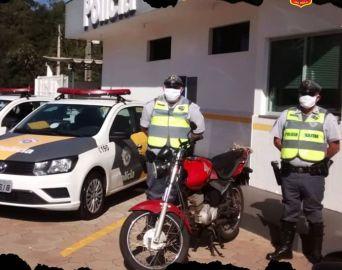 Polícia Rodoviária detém indivíduo em flagrante por furto de moto