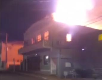 Incêndio destrói a Prefeitura de Águas de Santa Bárbara