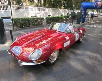 Rally dedicado exclusivamente a carros antigos passou por Avaré
