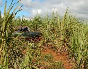 Jovem morre após capotar carro em estrada vicinal