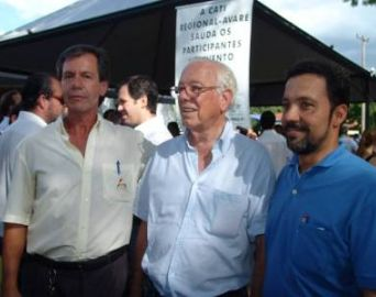 Ex-prefeito Fernando Pimentel recebe alta