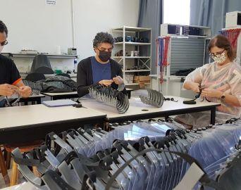 Campus Avaré do IFSP produz máscaras Face Shields e álcool em gel