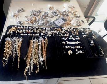 Polícia Militar prende envolvidos em furto de jóias avaliadas em R$ 45 mil