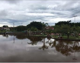 Criança morre afogada após ser arrastada por enxurrada em Itaí