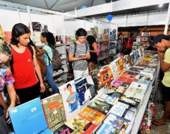 Feira do Livro acontece no Largo São João