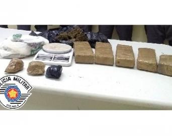 Polícia Militar prende dois homens e apreende quase 4 kg de maconha