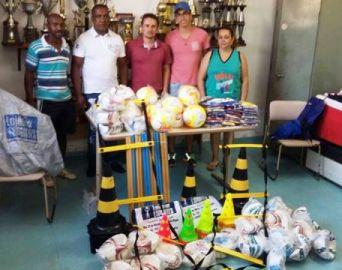 Prefeitura de Arandu adquire materiais esportivos