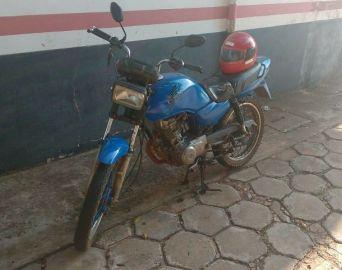 Menor de 16 anos é apreendido pilotando moto suspeita