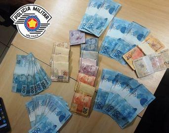 Mulheres são presas comprando com notas falsas no comércio em Avaré