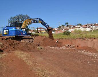 Prefeitura inicia nova obra para conter erosão no Camargo