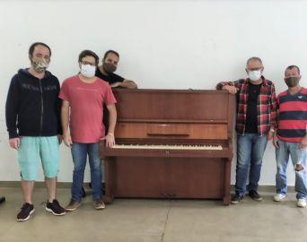 Piano que foi relíquia de família é doado ao Centro Cultural