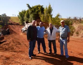 Cerqueira César: Prefeito e vereadores visitam obras na zona rural