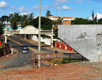 Avenida Paulo Novaes é interditada para continuação de obras de duplicação na SP-255