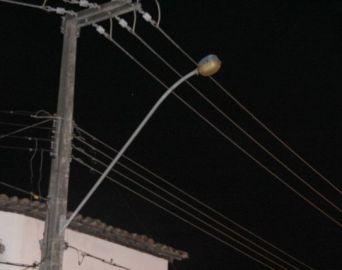 Vereador contabiliza mais de 290 postes com falha na iluminação