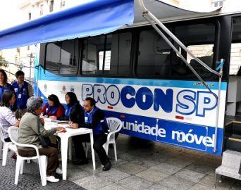 Unidade móvel do Procon atende nesta quinta e sexta no Largo do Mercado