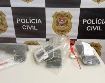 Dois suspeitos são presos por roubo em residência no bairro Nove de Julho